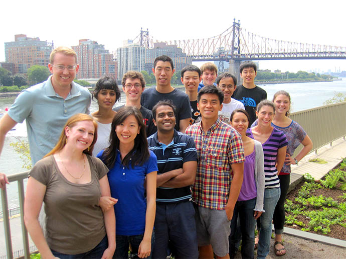 lab photo in front of 59th St Bridge in bkgrd